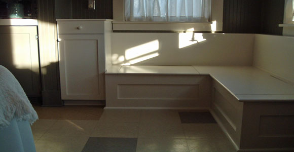 Custom home remodeling services tacoma new pioneer for Built in kitchen seating ideas